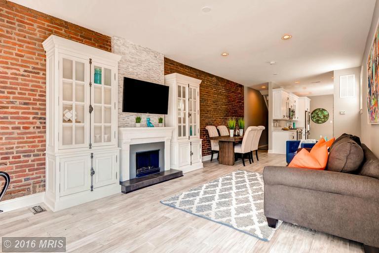 BA9704532 - Living Room