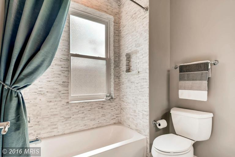 BA9704532 - Bath